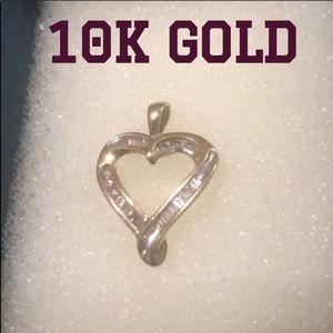 Jewelry - 10K Yellow Gold / Diamond Heart Necklace Pendant